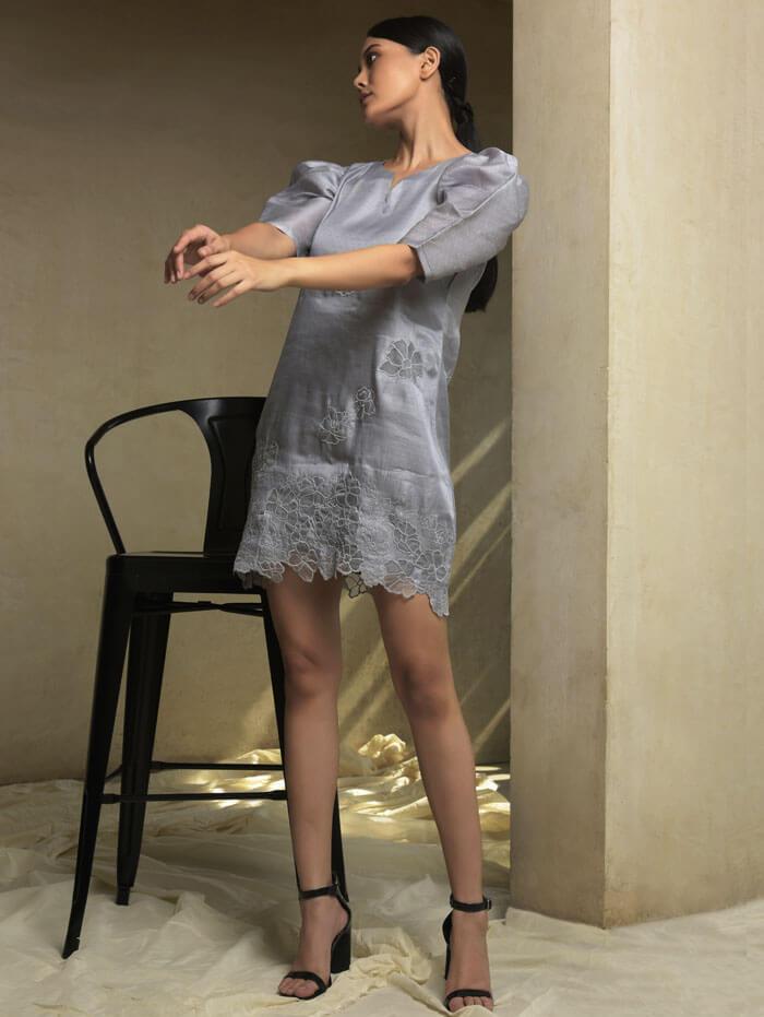 Short puff sleeves dress